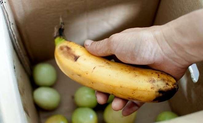 банан и зеленые помидоры