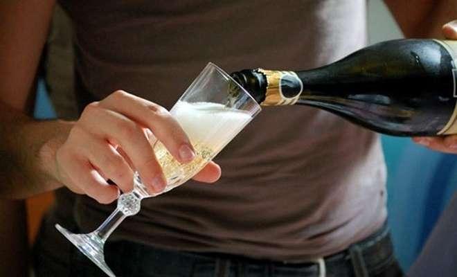 как наливать шампанское
