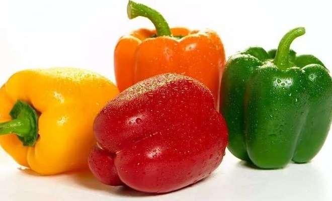 красный, желтый, зеленый сладкий перец
