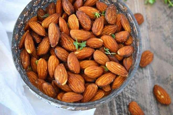 посолить орехи